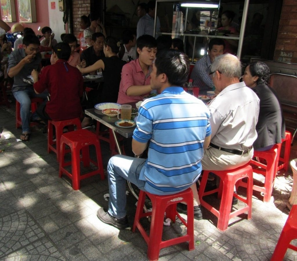 The Lunchtime Rush at Quán Cơm 17, Saigon