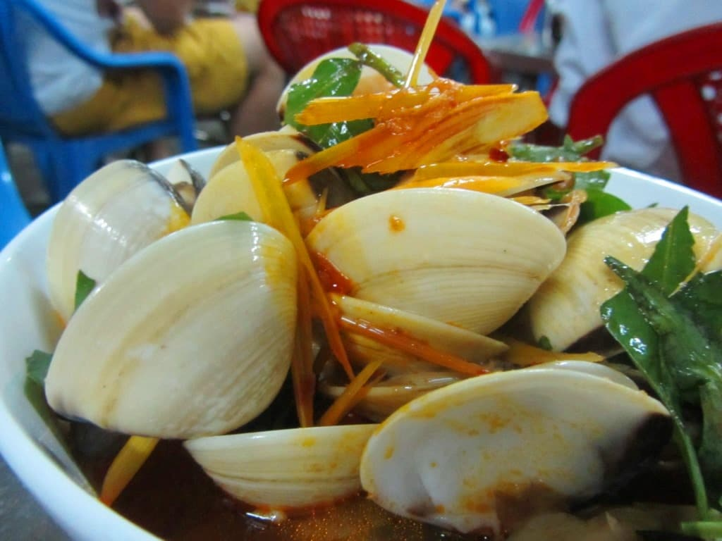 Clams at Ốc Châu, Saigon, Vietnam
