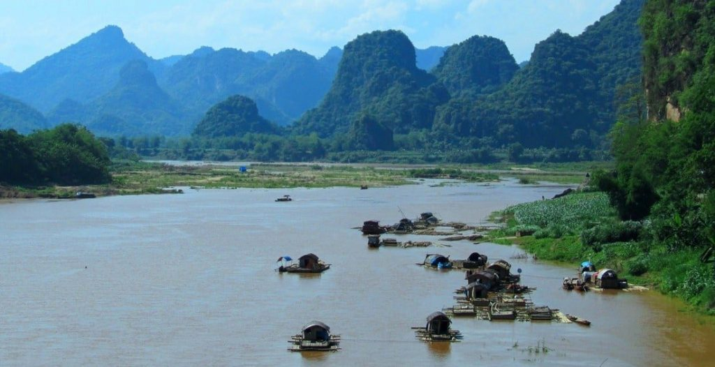 The Mã River and limestone mountains sheltered Vietnam's first civilizaton