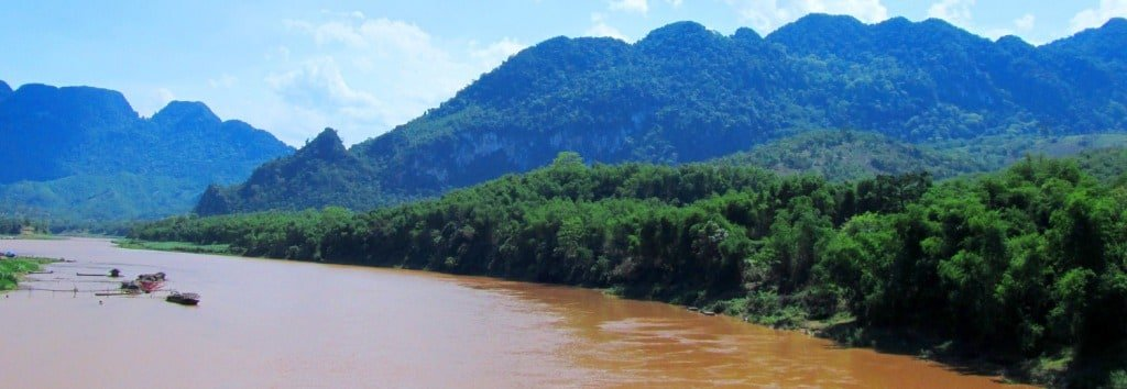 The muddy Mã River