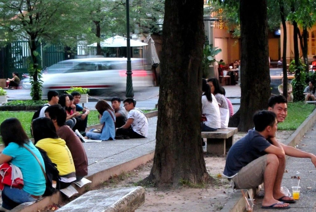 Saigon's youth at leisure in Reunification Park