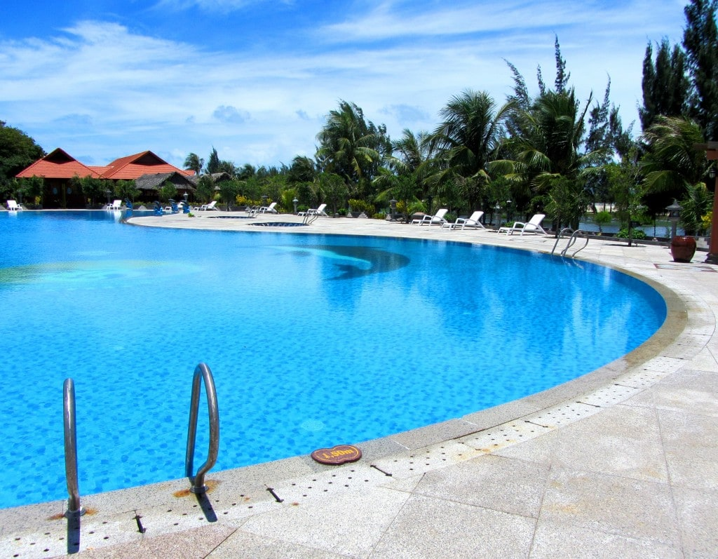 The salt water pool at Saigon-Hồ Cóc Resort
