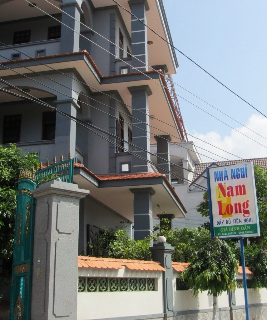 Nhà Nghỉ (guesthouse) in Long Hải - generally cheap and clean