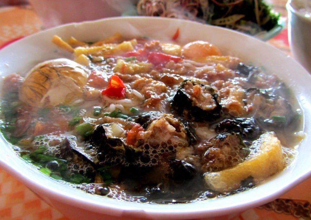 Bún Riêu at Ms Thập's soup house