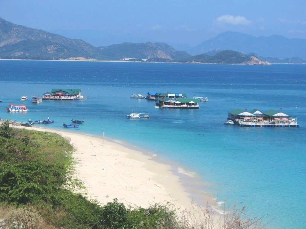 Floating restaurants off Binh Hung Island