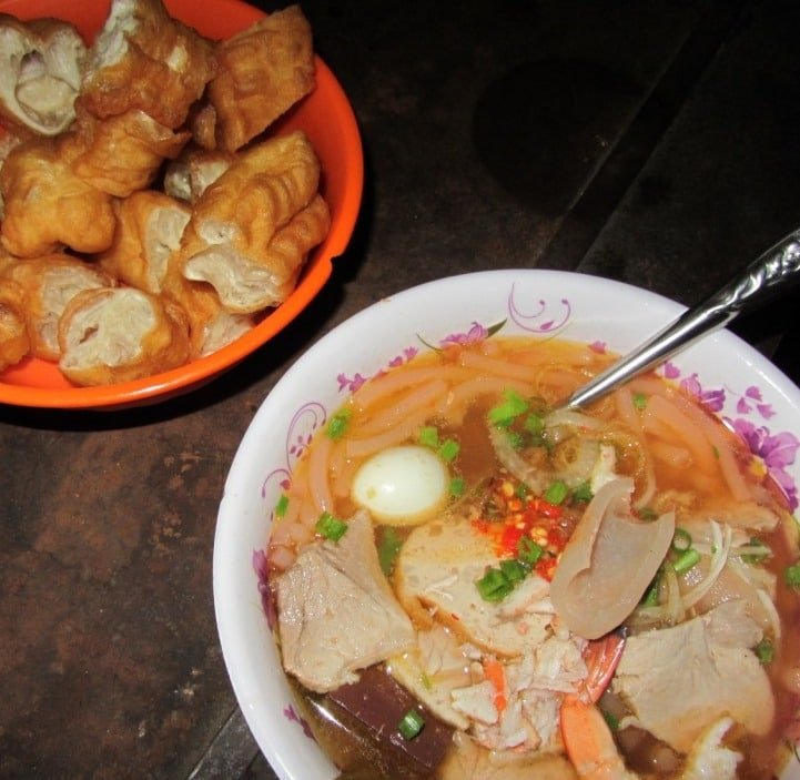 'Slippery' crab noodles (bánh canh cua)