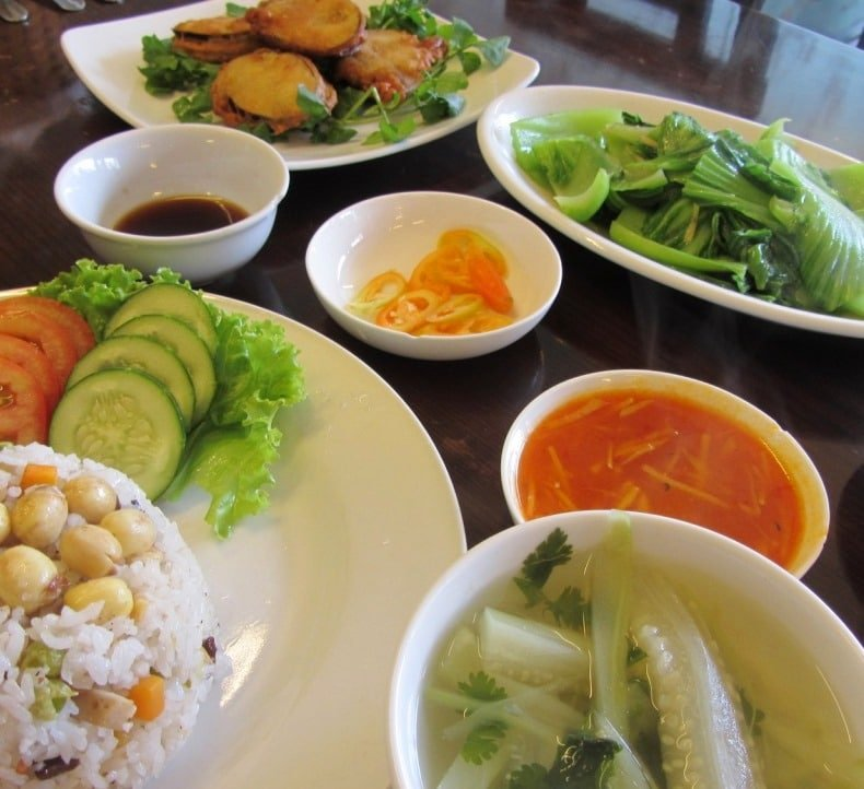 Excellent vegetarian food at Hoa Sen Restaurant
