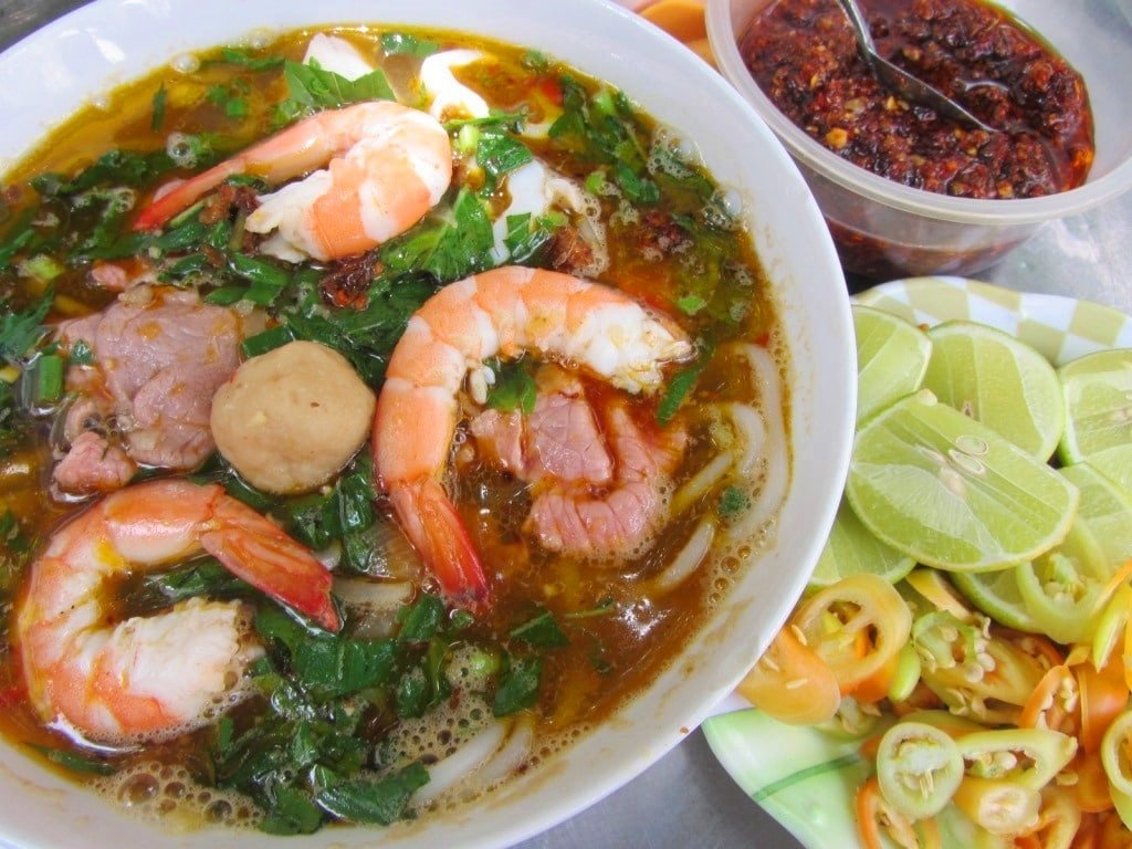 Monday is bún Thái