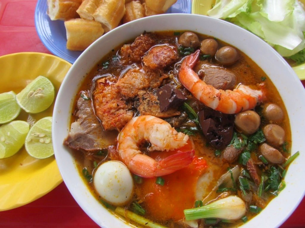 Saturday is bánh canh cua