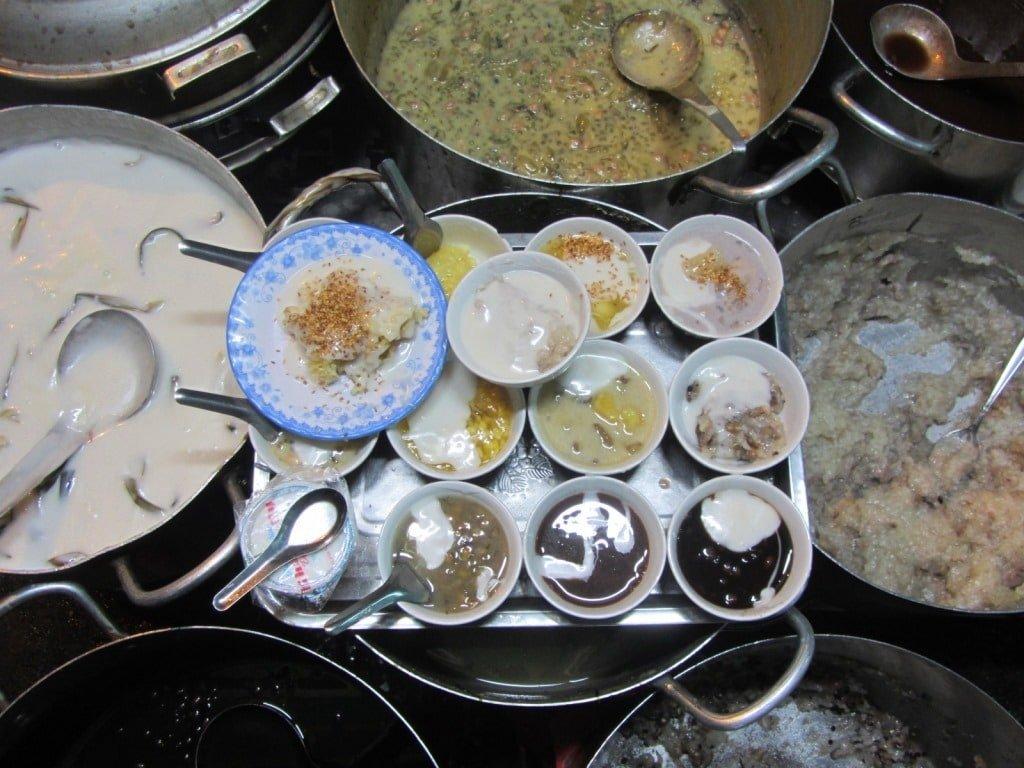 Vietnamese desert (che), street food, Saigon