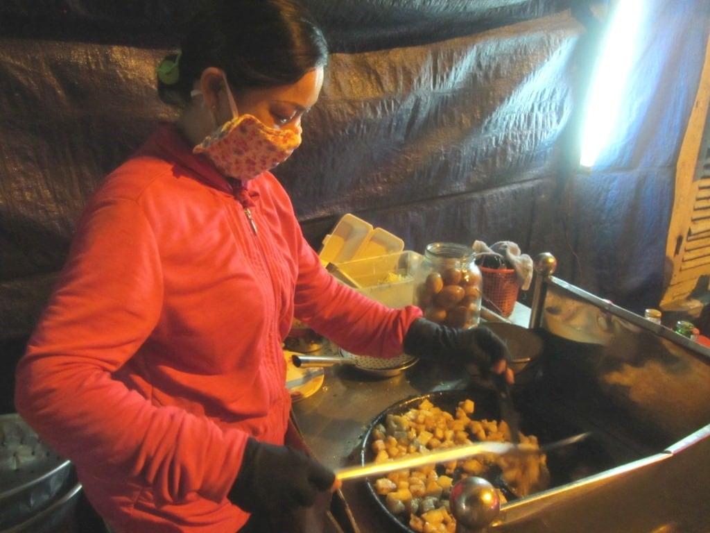 Street food bot chien vendor, Saigon