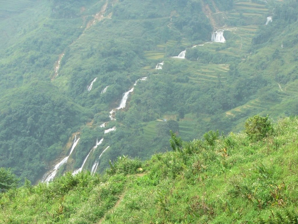 One of many waterfalls on the road to Si Ma Cai