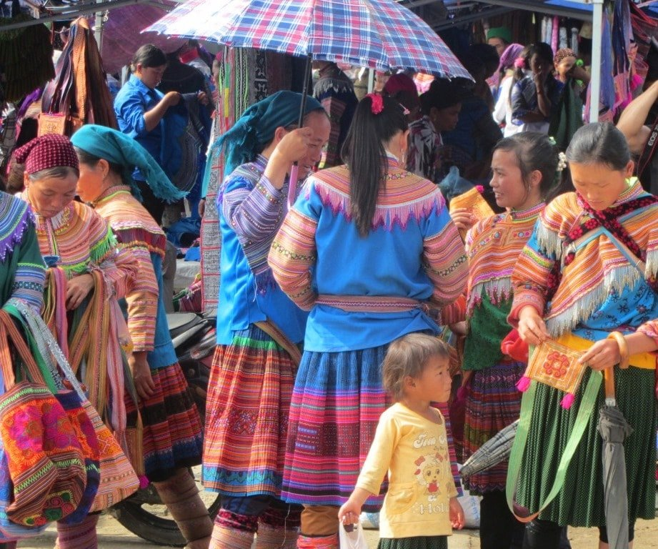 Drawing a crowd: Bac Ha Sunday market