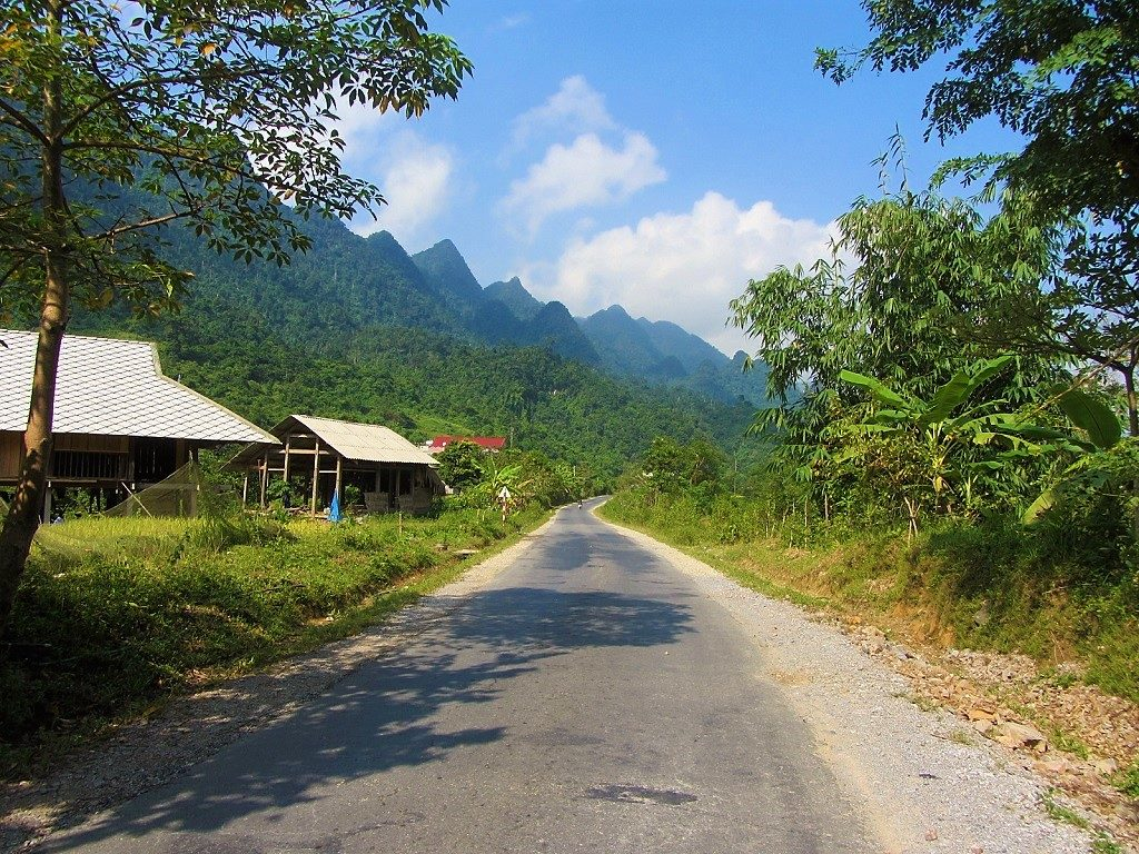 Road QL4C from Ha Giang to Tam Son (Quan Ba), Vietnam