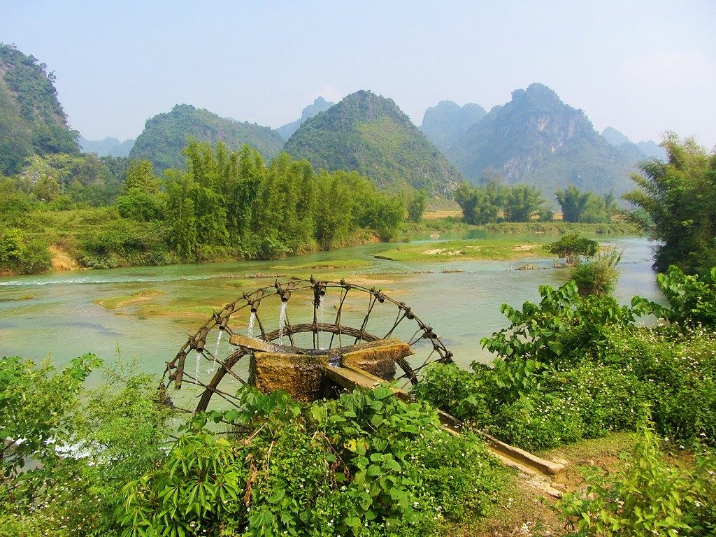 Bamboo water wheel on the Quay Son River, Cao Bang Province