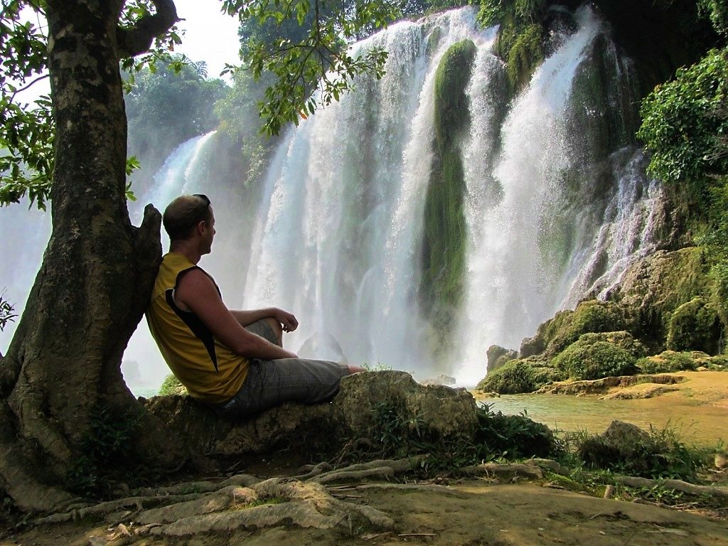 Relaxing at Ban Gioc Waterfall, Cao Bang Province