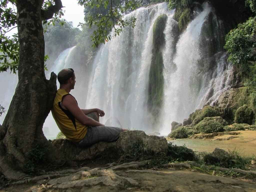 Relaxing under a tree, Ban Gioc Waterfall, Vietnam
