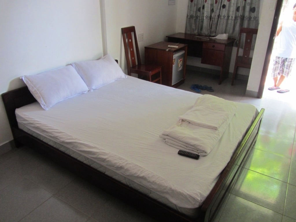 Room at Hoa Bien Motel, Ho Tram Beach, Vietnam