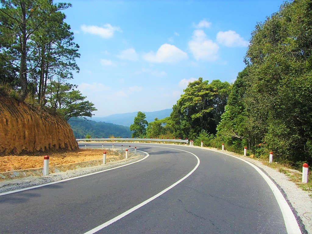 The Pine Tree Road is the dead-end section of the Truong Son Dong Road north of Dalat