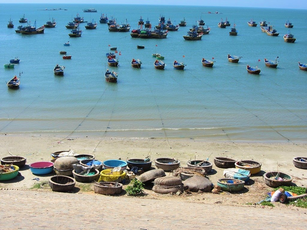 Fishing boats & coracles in Mui Ne Bay, Vietnam