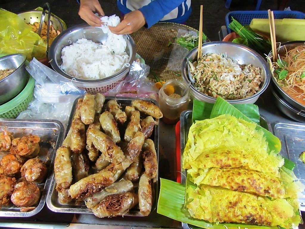 Street food, Ha Tien Night Market, Mekong Delta, Vietnam
