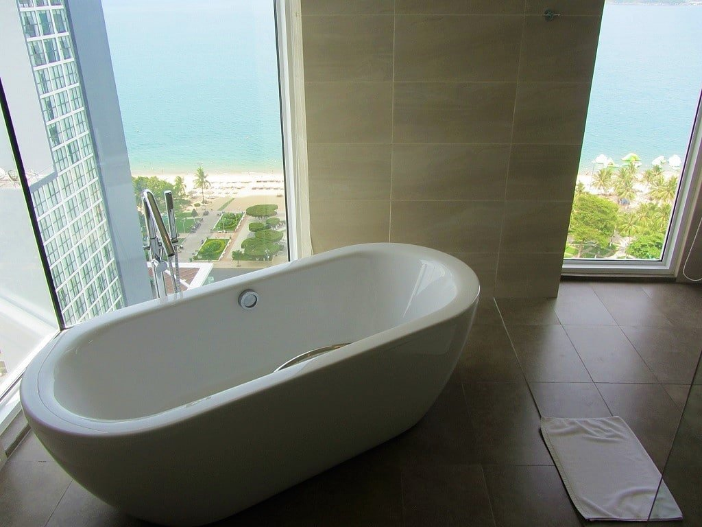 Liberty Central Nha Trang Hotel, freestanding bathtub