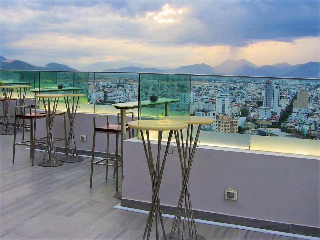 Liberty Central Nha Trang Hotel, rooftop bar