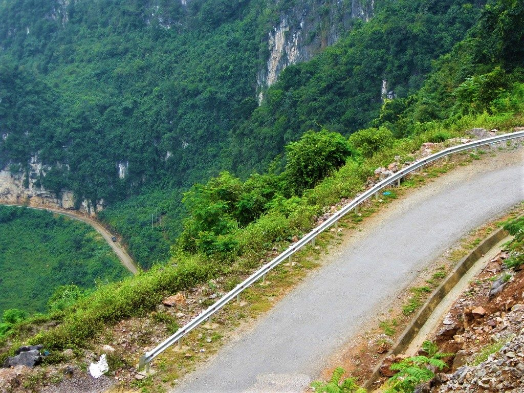 The unnamed (Agitated Dragon) road between Bao Lac & Pac Bo Cave, Cao Bang Province, Vietnam