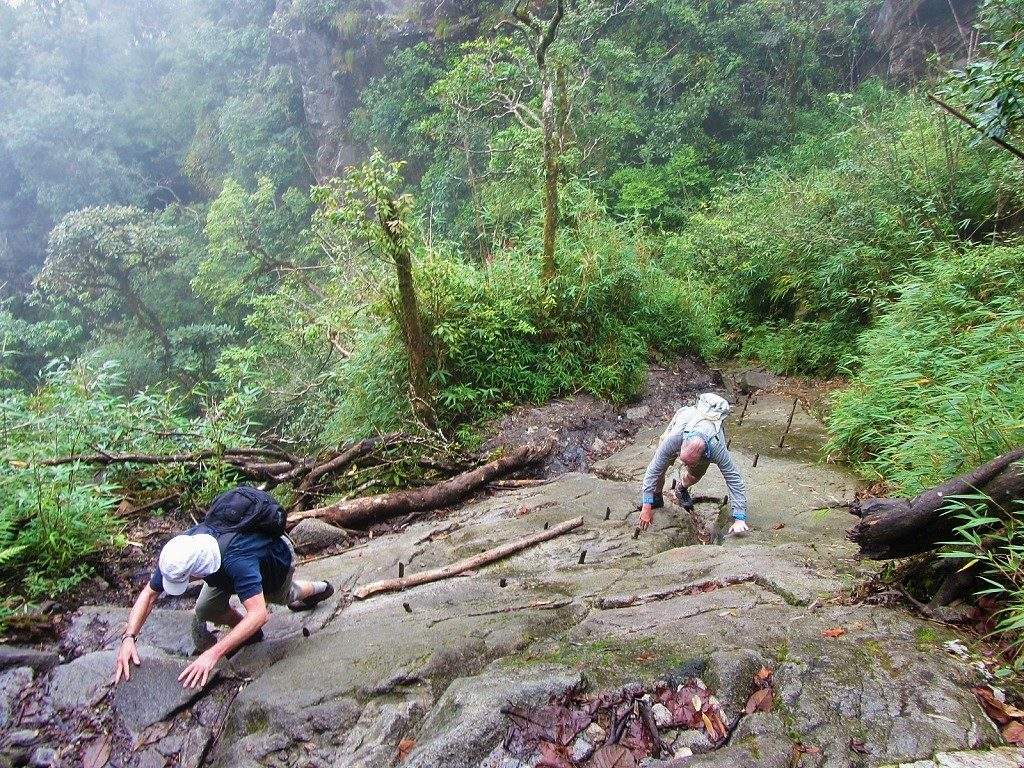 Climbing Fanispan mountain independently, without a guide, Vietnam