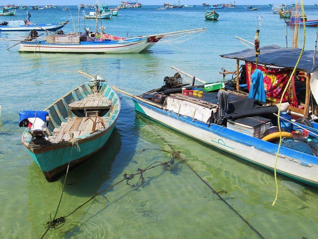 Fishing boats, Hon Son Island, west coast