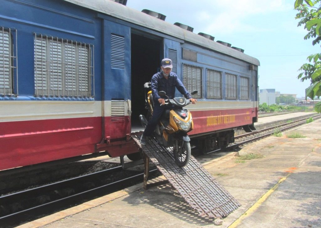 The train from Saigon to Phan Thiet