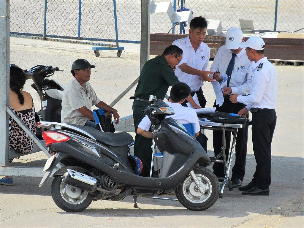 Boat ticket inspection in Phan Thiet