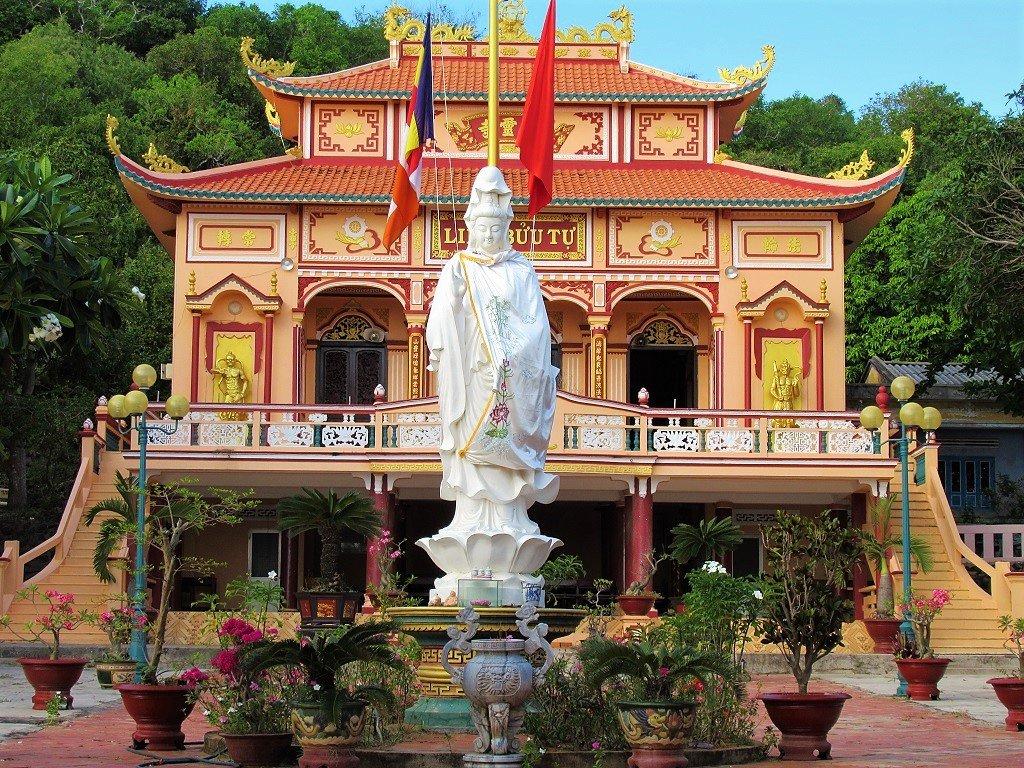 Chua Linh Buu Temple, Phu Quy Island, Vietnam