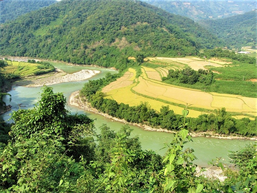 The Northeast by Motorbike: China Border Crawl Loop, Cao Bang, Vietnam