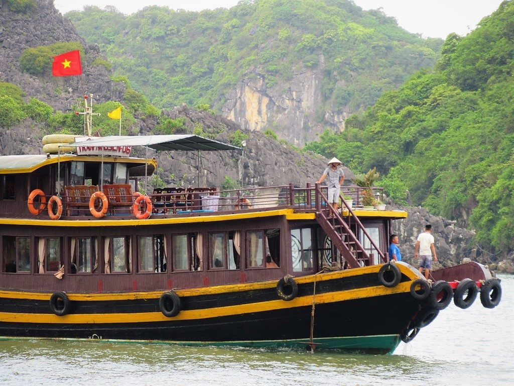 Boat tours from Cat Ba Island, Vietnam