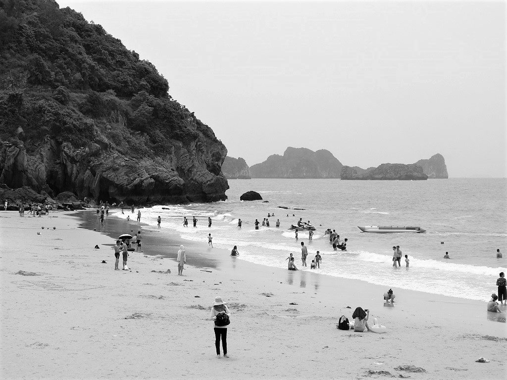 Cat Co Beach, Cat Ba Island, Vietnam