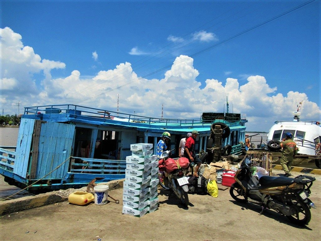 Loading the boat from Ha Tien to Pirate Island (Dao Hai Tac), Vietnam