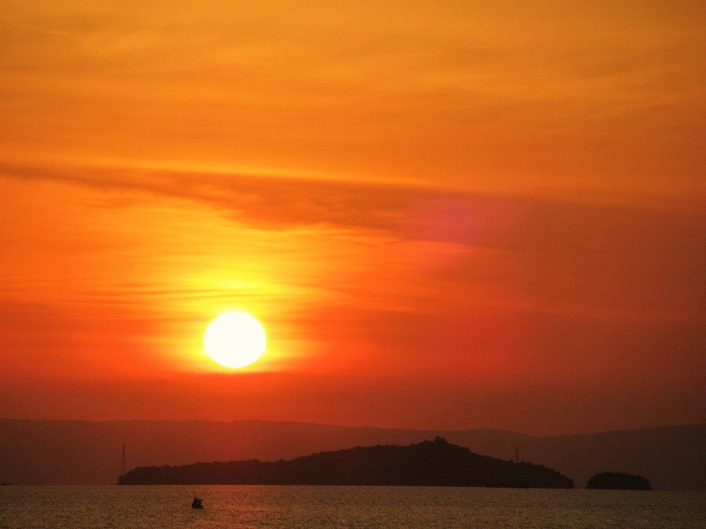 The sun sets on the Pirate Islands, Hac Tac Archipelago, Vietnam
