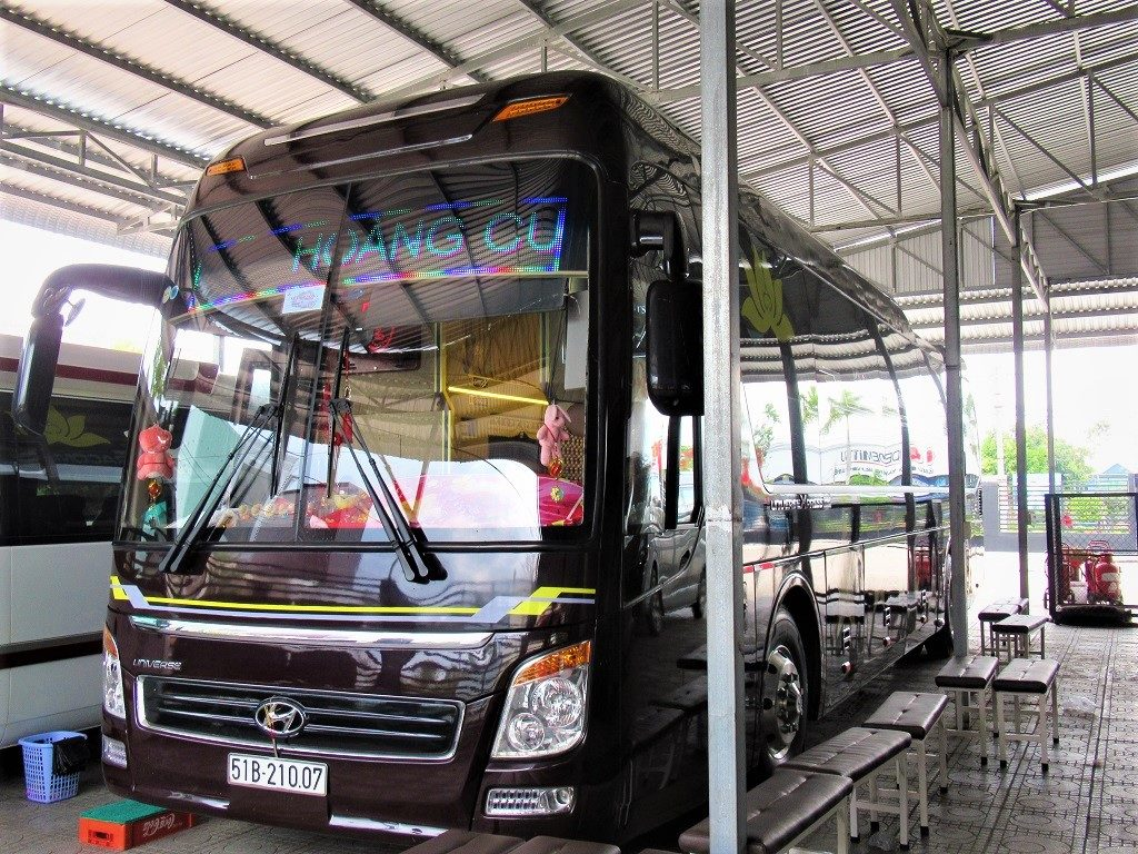 Long distance buses run from Ha Tien to all major Mekong cities & Ho Chi Minh (Saigon)