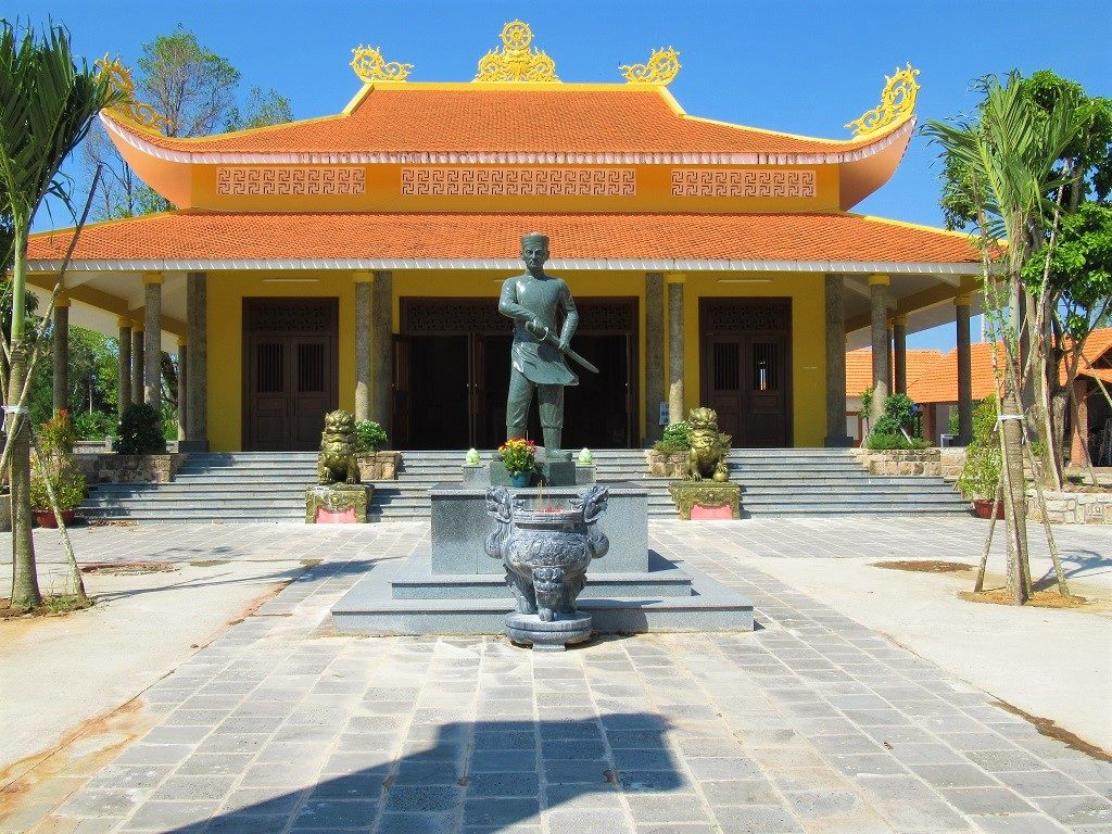 Nguyen Trung Truc Temple, inland road, Phu Quoc Island, Vietnam