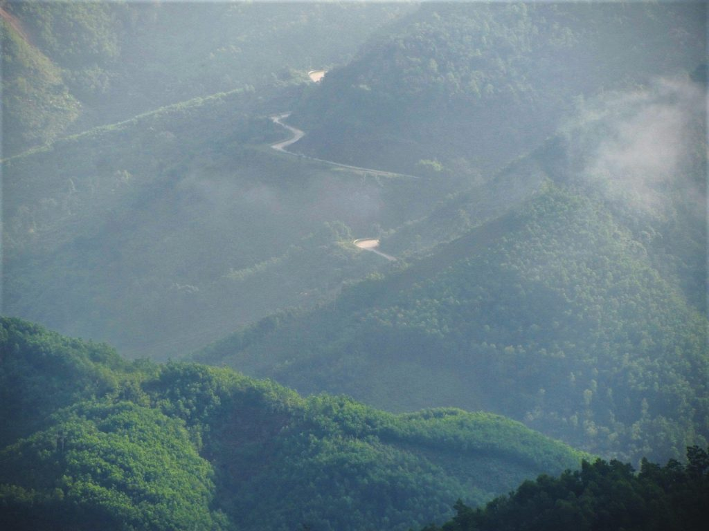 The Road East of the Long Mountains (Đường Trường Sơn Đông), Vietnam)