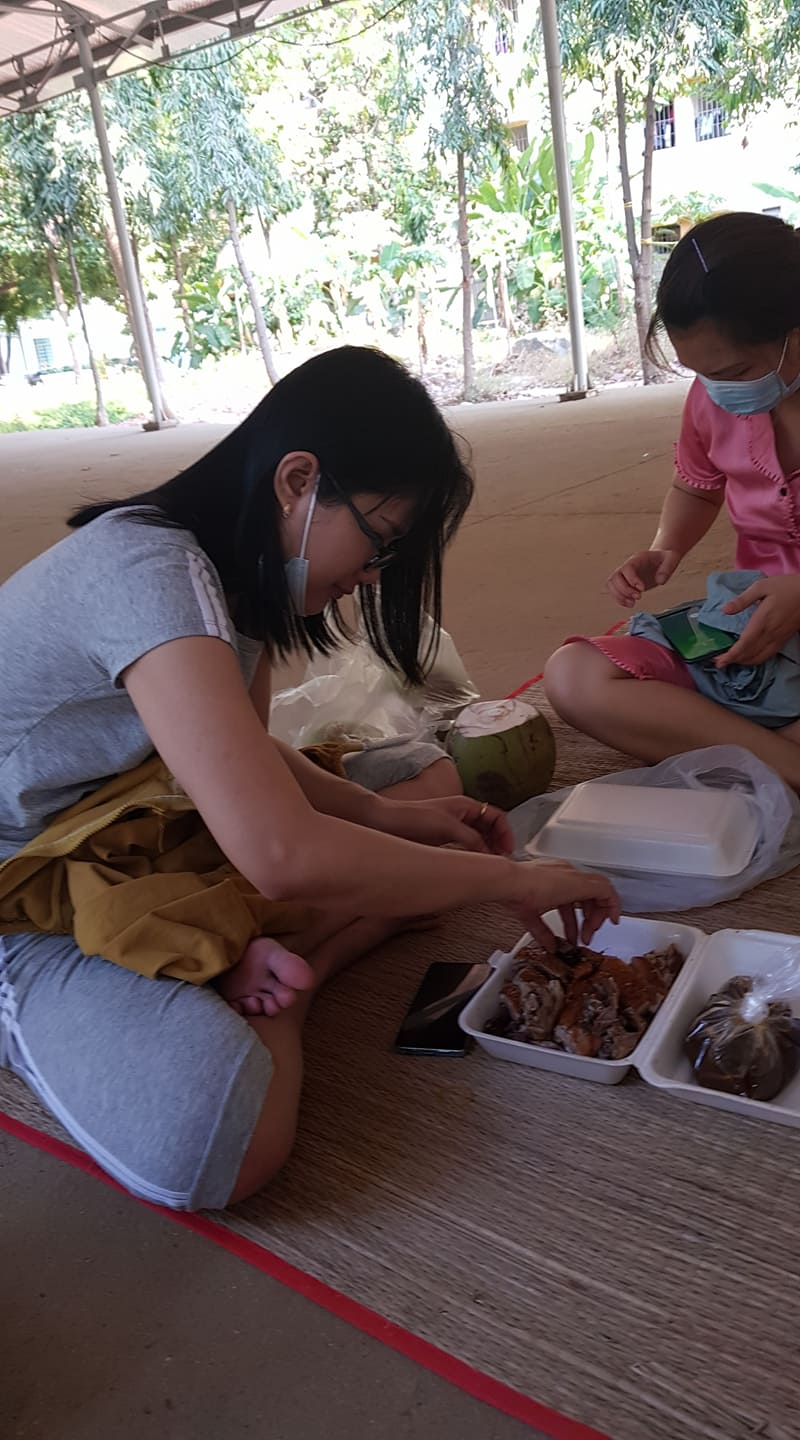 Eating delivery food, COVID-19 quarantine facility, Vietnam