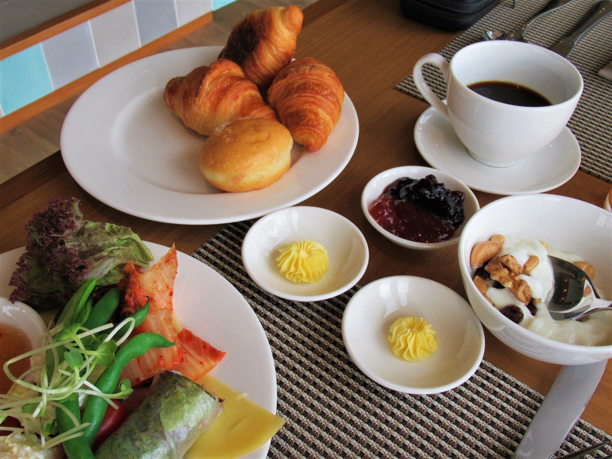 Buffet breakfast at Fresh Restaurant, Fusion Suites Vung Tau