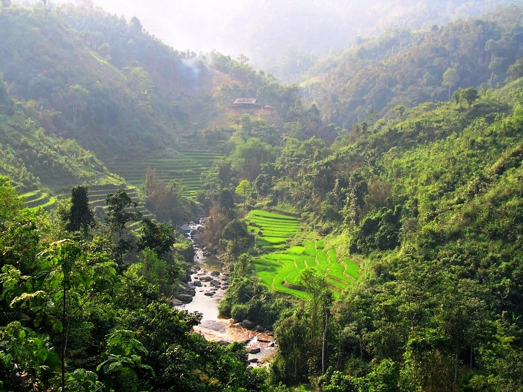 Lush valley from Road DT178 toward Xin Man