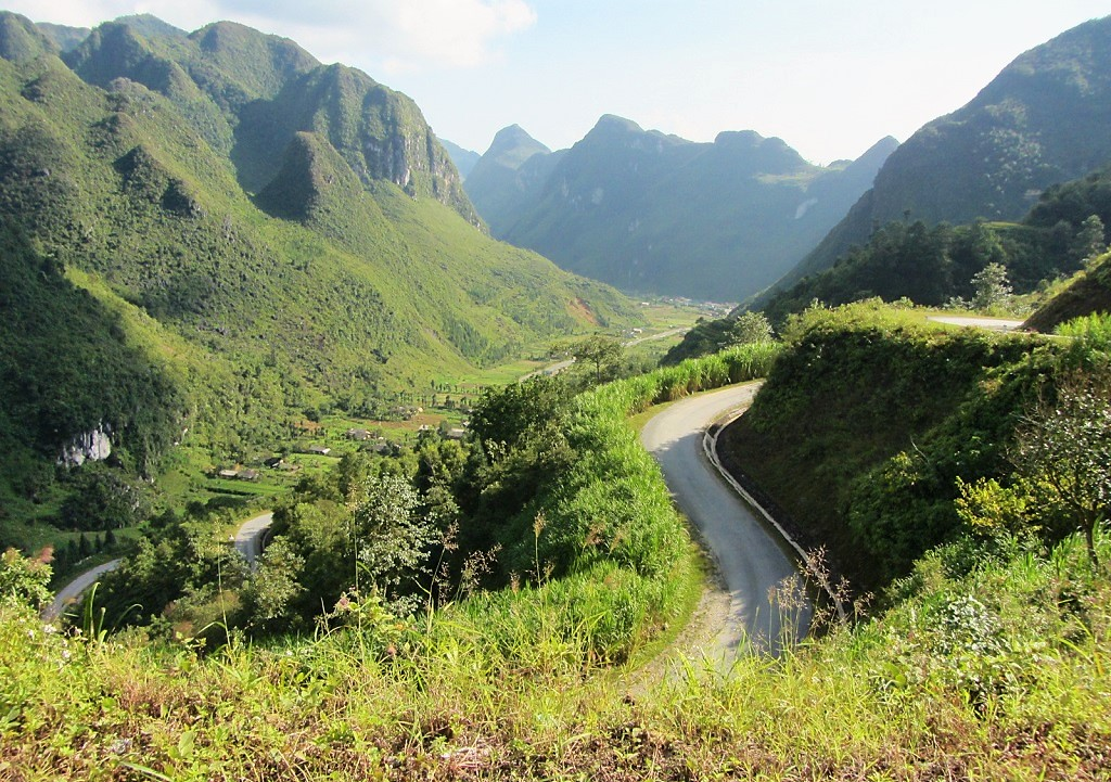 Top of the Chín Khoanh Pass