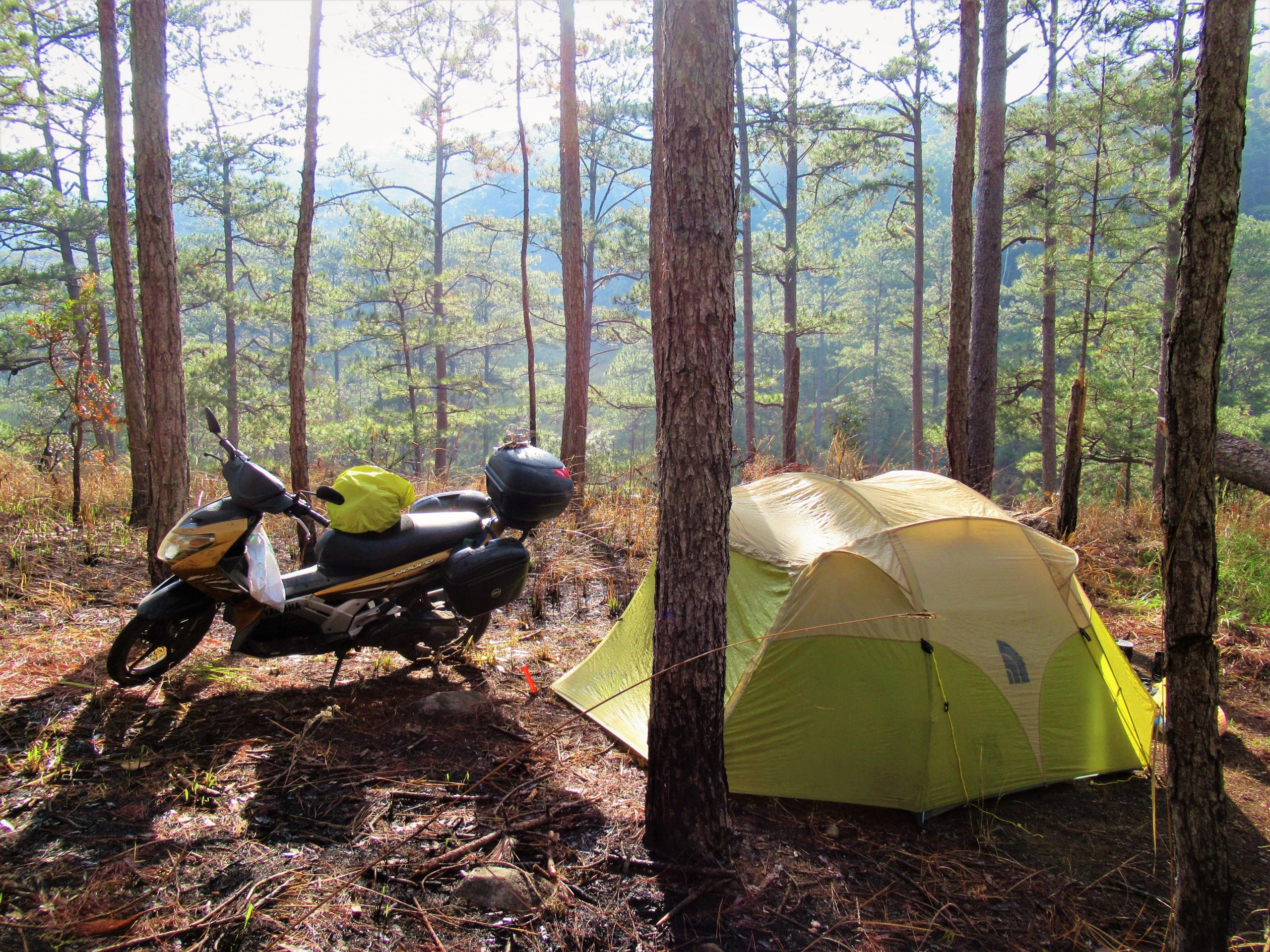 Motocamping in the pine forests of Da Nhin, Central Highlands