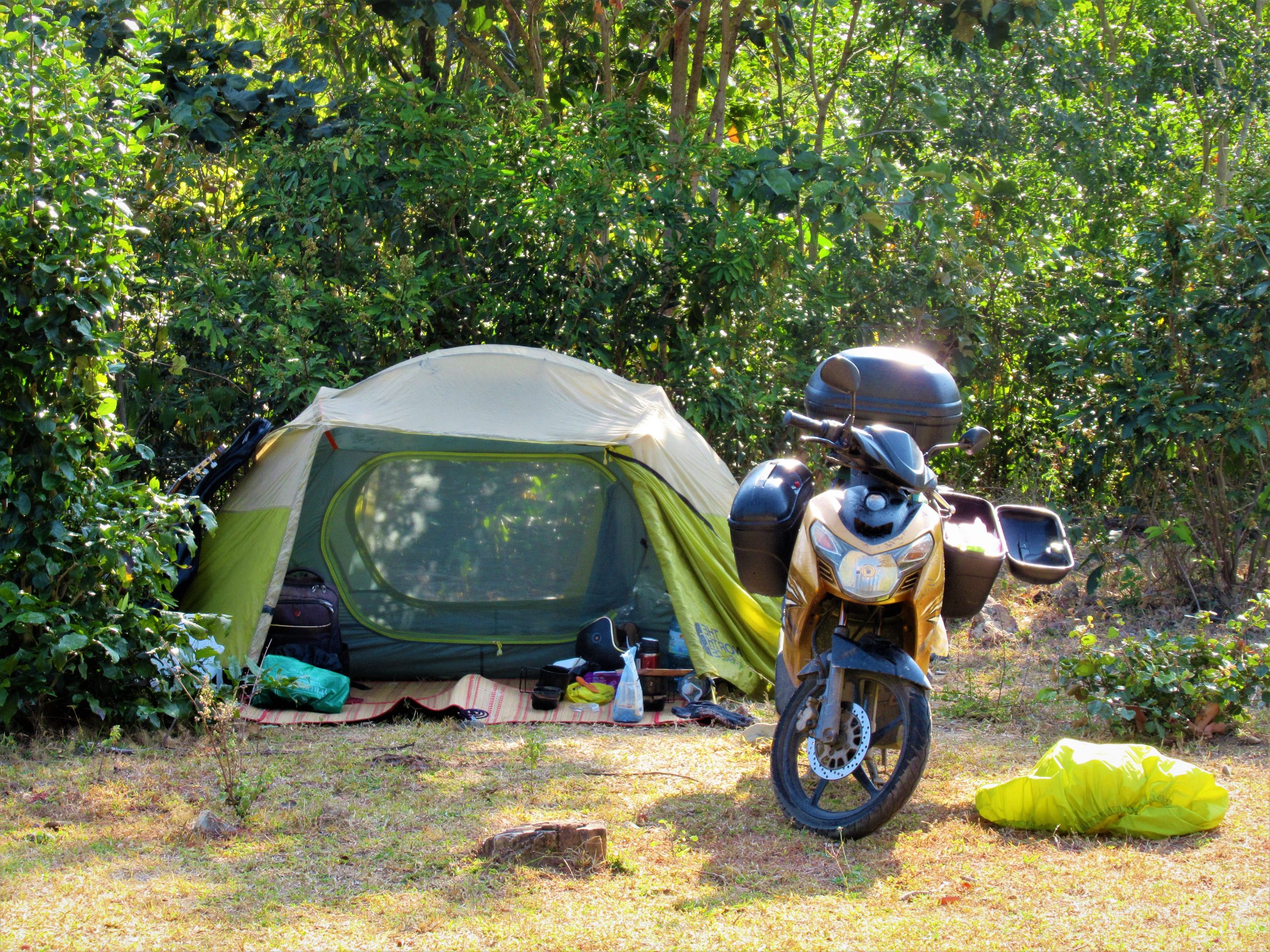 Motocamping in the Central Highlands during the dry season
