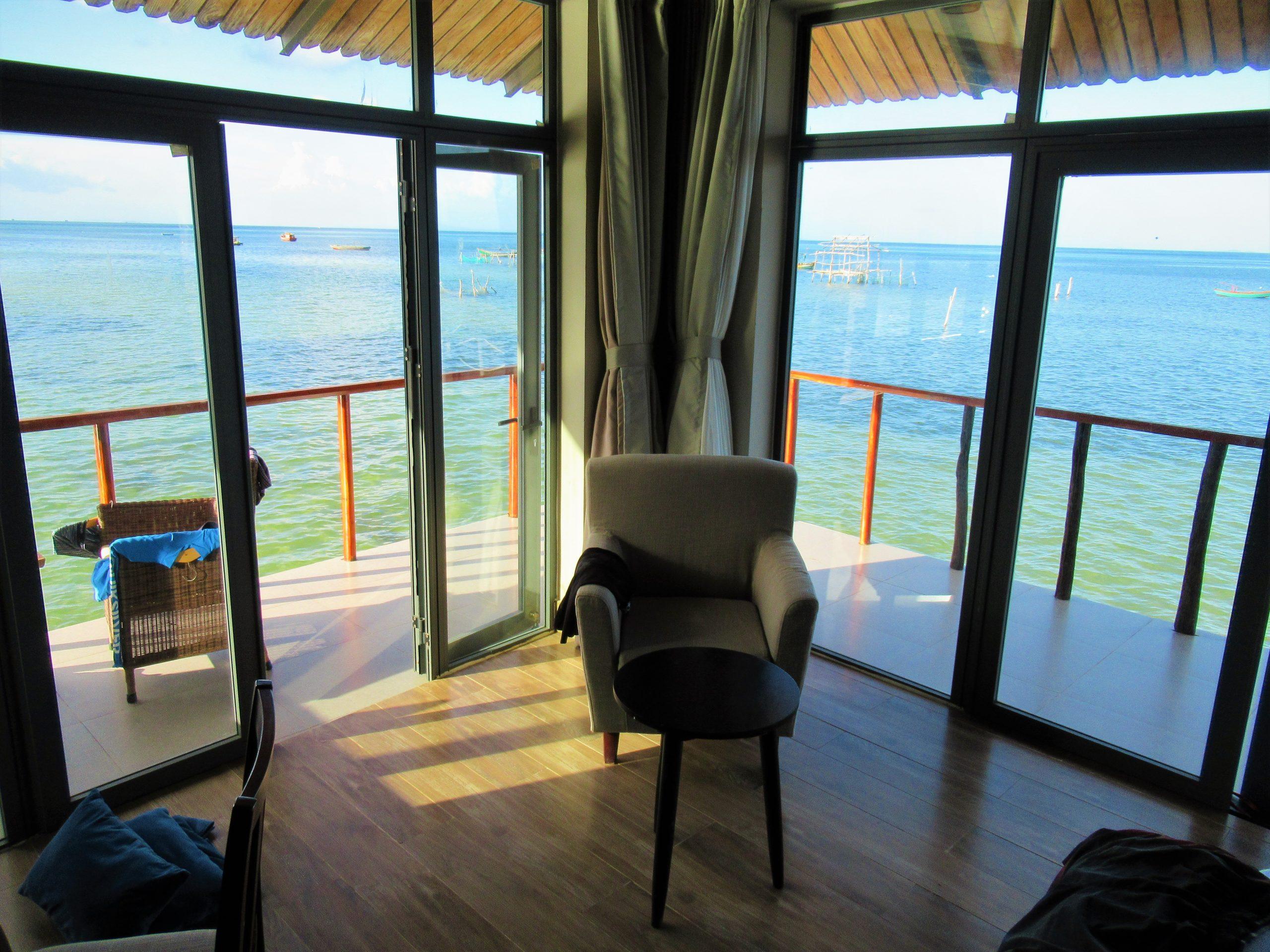 Floor-to-ceiling glass doors, Sea Bungalow, The Pier